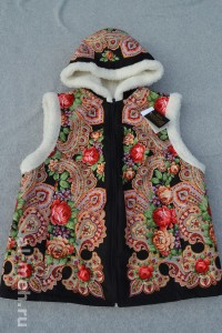 5. Жилет женский с капюшоном из овечьей шерсти- платок черный цена 2500