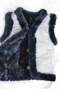 Жилет утепленный детский из лоскута натуральной овчины, крытый курточной тканью цвет серый