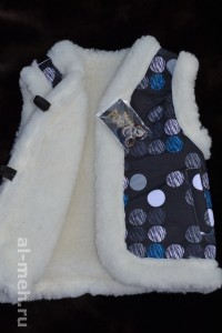 5.Детский жилет из овечьей шерсти, крытый курточной тканью