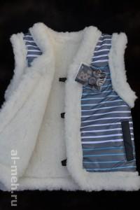 4.Детский жилет из овечьей шерсти, крытый курточной тканью