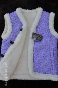 1.Детский жилет из овечьей шерсти, крытый курточной тканью