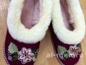 Теплые меховые тапочки Бабуши из овчины женские (на твердой подошве с пяткой)