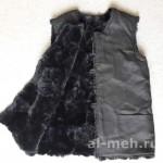 Жилет - подстежка из натурального меха крытый тканью Диагональ