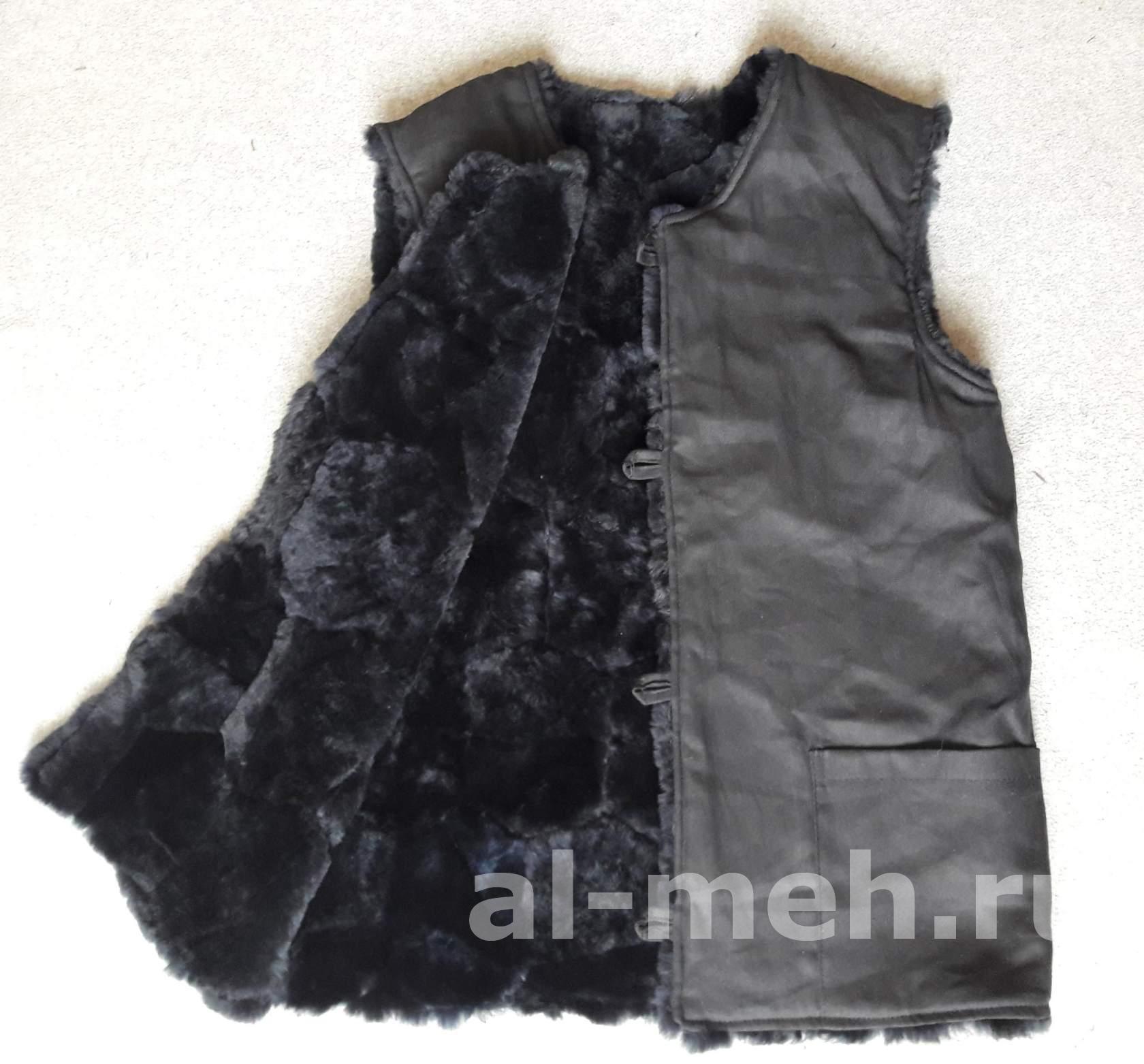 Жилет — подстежка из натурального меха крытый тканью Диагональ